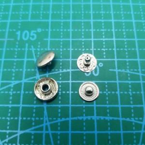 10 мм Кнопка галантерейная никель.