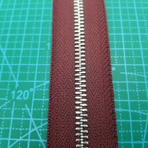 179 Молния металлическая №5 зуб никель. ткань бордо