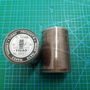 807 Нитки вощеные толщина 0,55 мм тёмно коричневый, круглая.