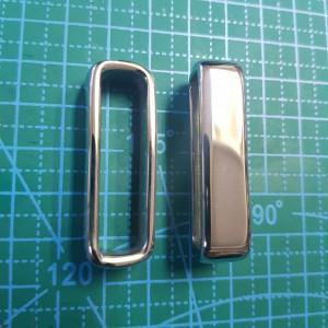 Стальной загубник на ремень 40 мм цвет сталь.
